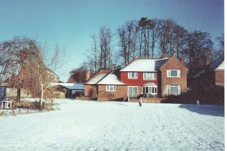 family home on the Downs with pool - Funtington, Chichester - Talo