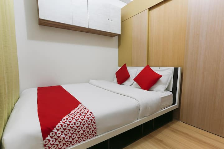 2BR Deluxe Room In Trees Residences