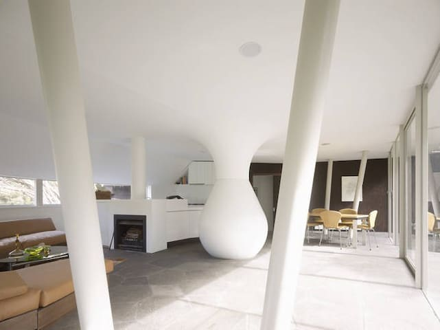 Open plan living area, with the water bulb which cools down the space