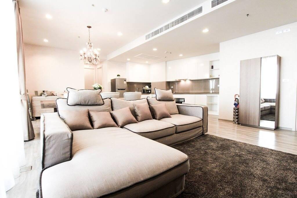 Sofa (so comfy :P)