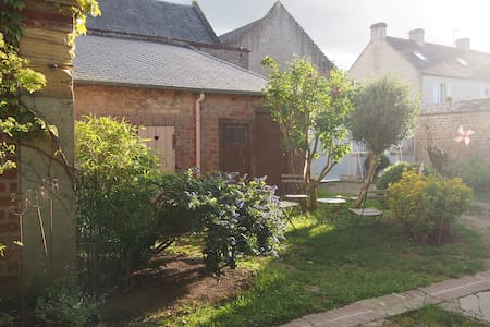 Lovely Bed & Breakfast in the center of Old Luc - Luc-sur-Mer
