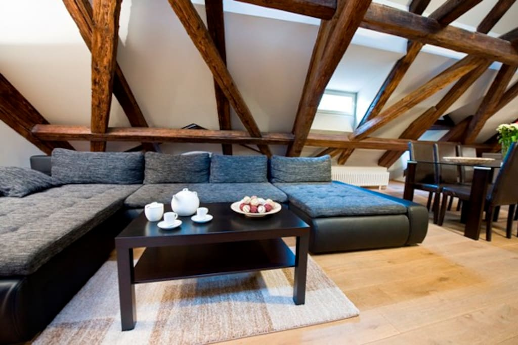 Spacious 160 sqm Loft Apartment 3BR - Living Area
