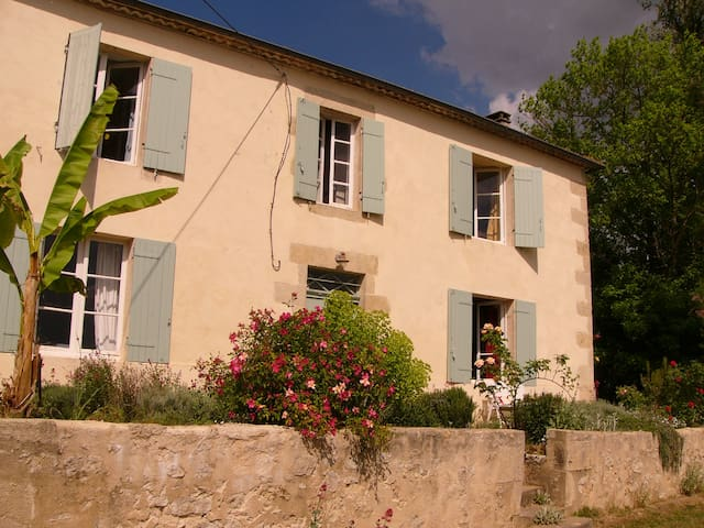 Charming stone farmhouse with pool - Saint-Exupéry - Hus