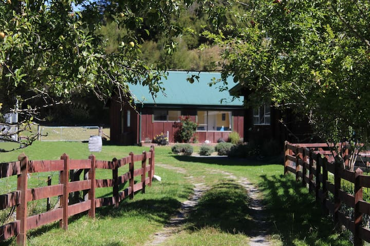 Kahurangi Cottage Wilderness Retreat.