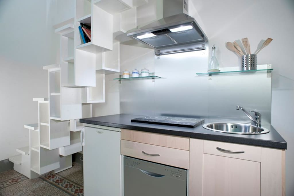 Kitchenette with tailor-made stair