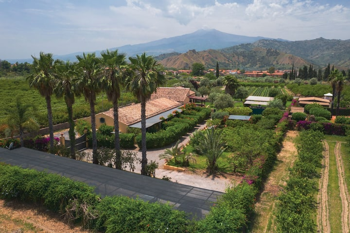 Princely Taormina country Relais up to 30 pax