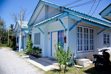 Nobis Inn Bangtao, smart & clean! - Haus
