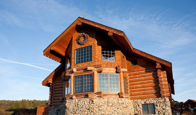 Custom built log cabin-Mount Shasta