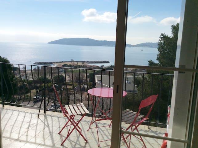 MOURILLON VUE MER T5 80m2, balcon, parking - Toulon - Huoneisto