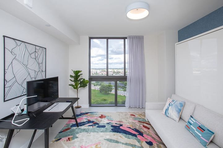 Luxury Studio Apartment in Downtown Doral