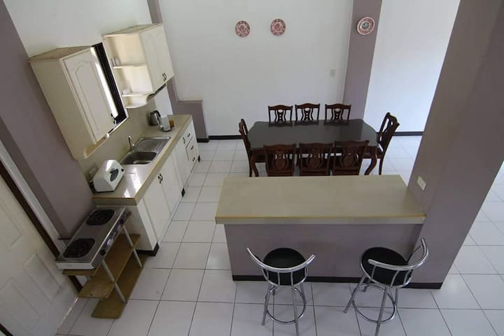 Bright Home with a View - Sibulan - Appartement