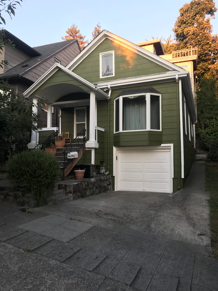 Emerald House Fremont-w/ parking, no cleaning fee
