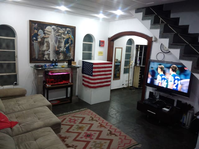 Hostel Consulado Americano FAMILIAR (F1)