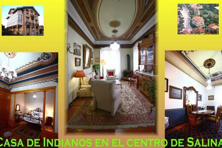 Casa de indianos, en el centro de Salinas.