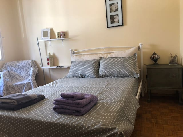 Vintage apartment , 700m from metro