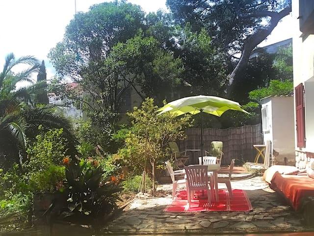 Écrin de verdure quartier Paradis - Hyères - Villa
