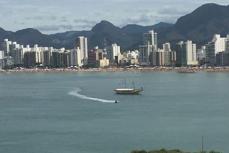 Lindo 3 quartos frente ao mar da Praia do Morro!