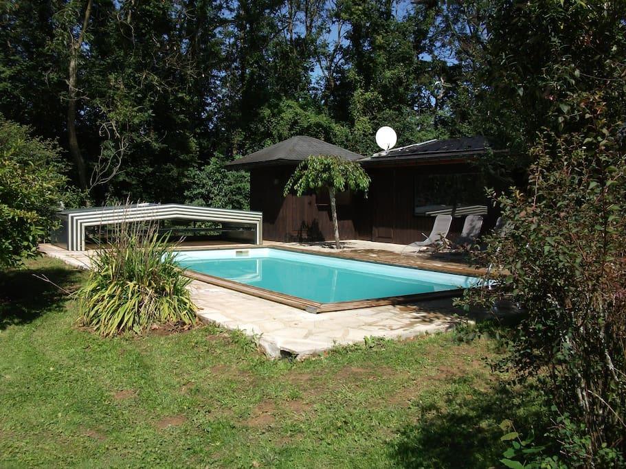 piscine ouverte de MAI  à SEPTEMBRE