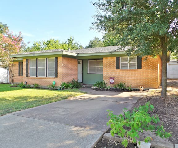 Northgate Station~ Aggieland Vacation Rentals