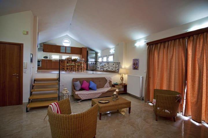 Villa Frati Gorge-Split level