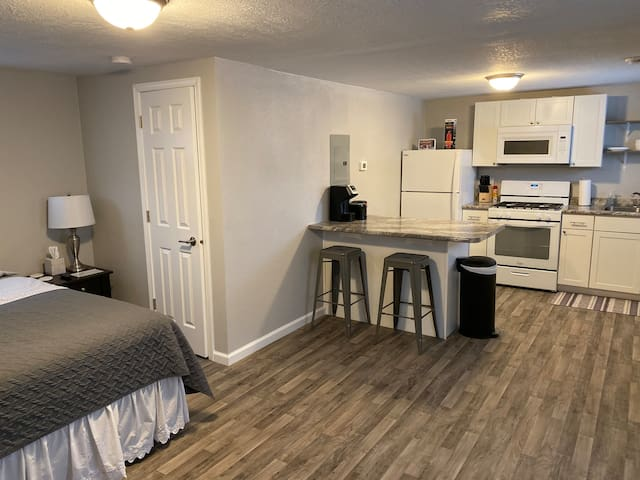 Renovated studio apartment! Clean and cozy