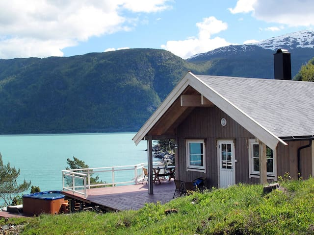 Holiday home with great view in Vik i Sogn