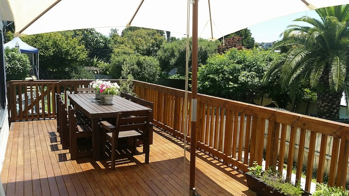 Sunny Family Home in Central Tauranga Location