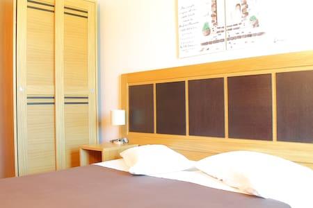 BED AND BREKFAST TERRE IBLEE RESORT - Chiaramonte Gulfi - B&B/民宿/ペンション