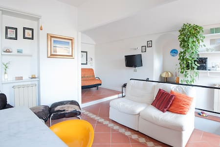 Quiet little house near the sea! - Lerici - Casa