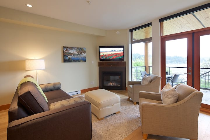 Mariner's Loft 12 Luxury 2 bdrm (sleeps 6)