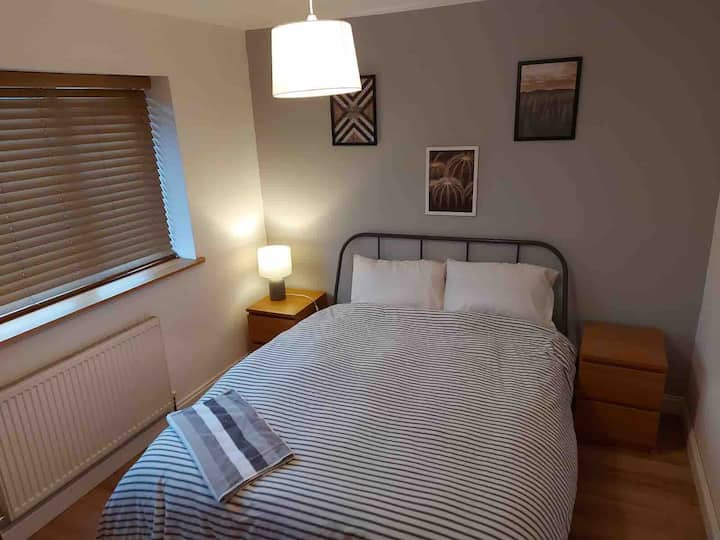 Double room, 10 minutes from airport
