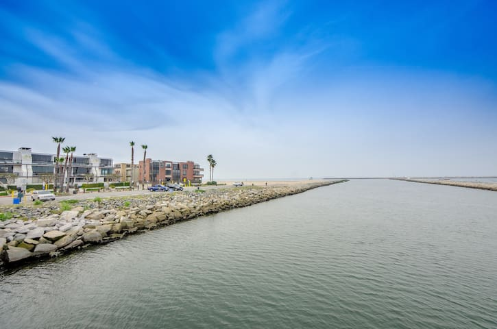 Waterfront in Playa del Rey, CA