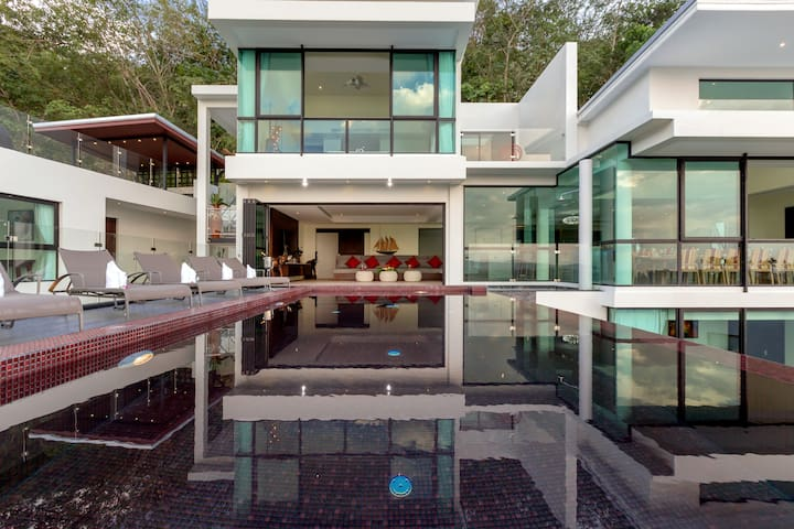 Stunning seaview pool villa near beach