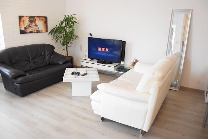 Spacious Private Studio in Den haag (38m2) - Den Haag - Apartment