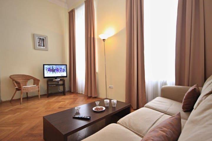 Naplavka apartment