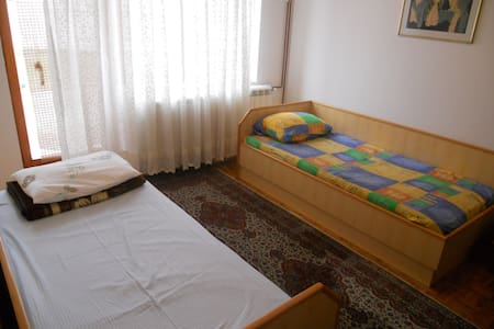 Peaceful room for 2 in Novi Sad - Sremska Kamenica
