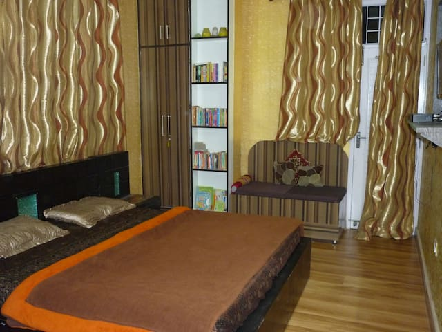 Budget Room for 2 in Boutique Homestay in Sanjauli