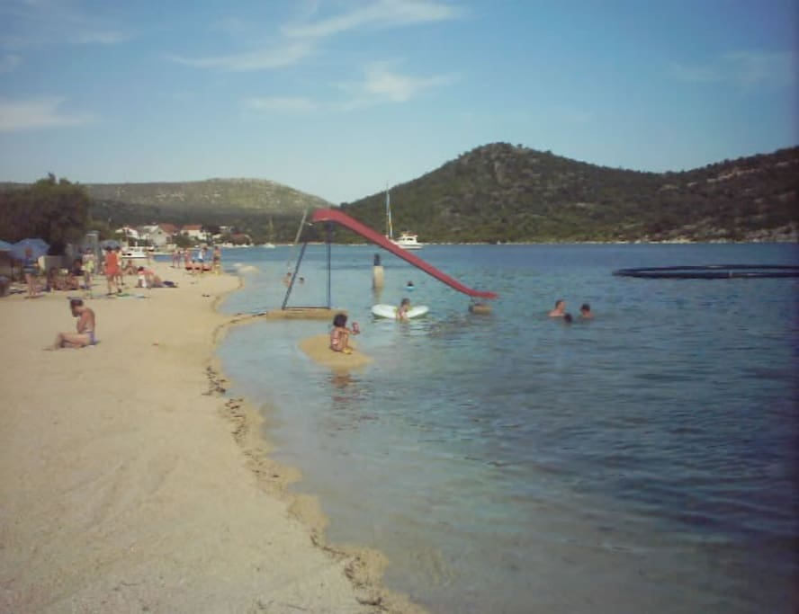 BEACH FOR KIDS