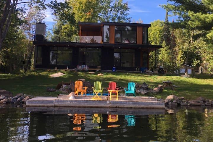 Waterfront Cottage Washago Ontario Severn River