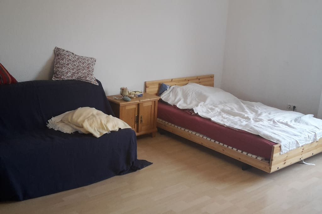 Zimmer mit 1,40 Bett und ausziehbarem Sofa