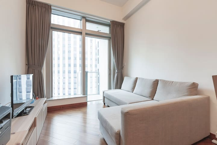Luxury 1bed Apt City Living @ Wanchai (3 mins MTR)