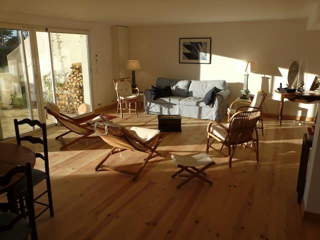 Pyla: apartment near familial beach. Really calm.