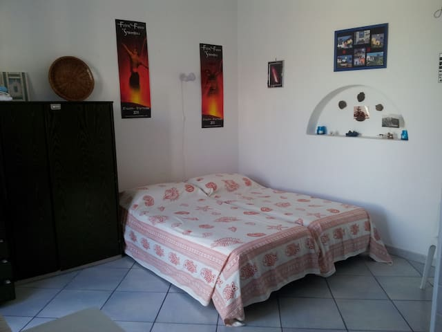 GROUND FLOOR STUDIO APARTMENT - Stromboli