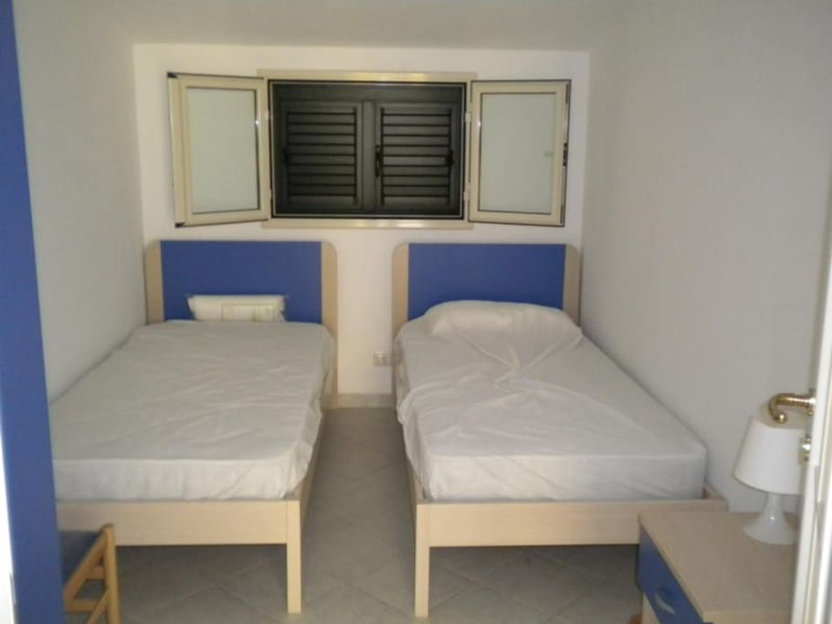 stanza con due letti - rooom with 2 beds