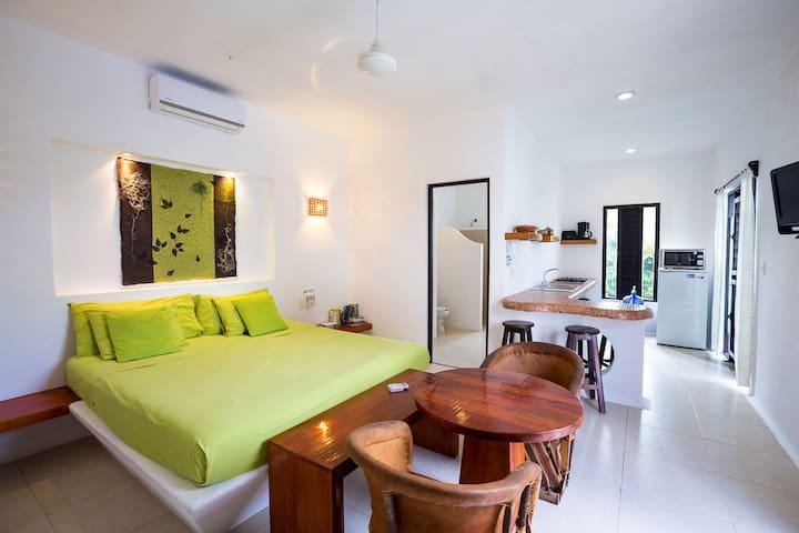 Cozumel Suites - Lime Apartment