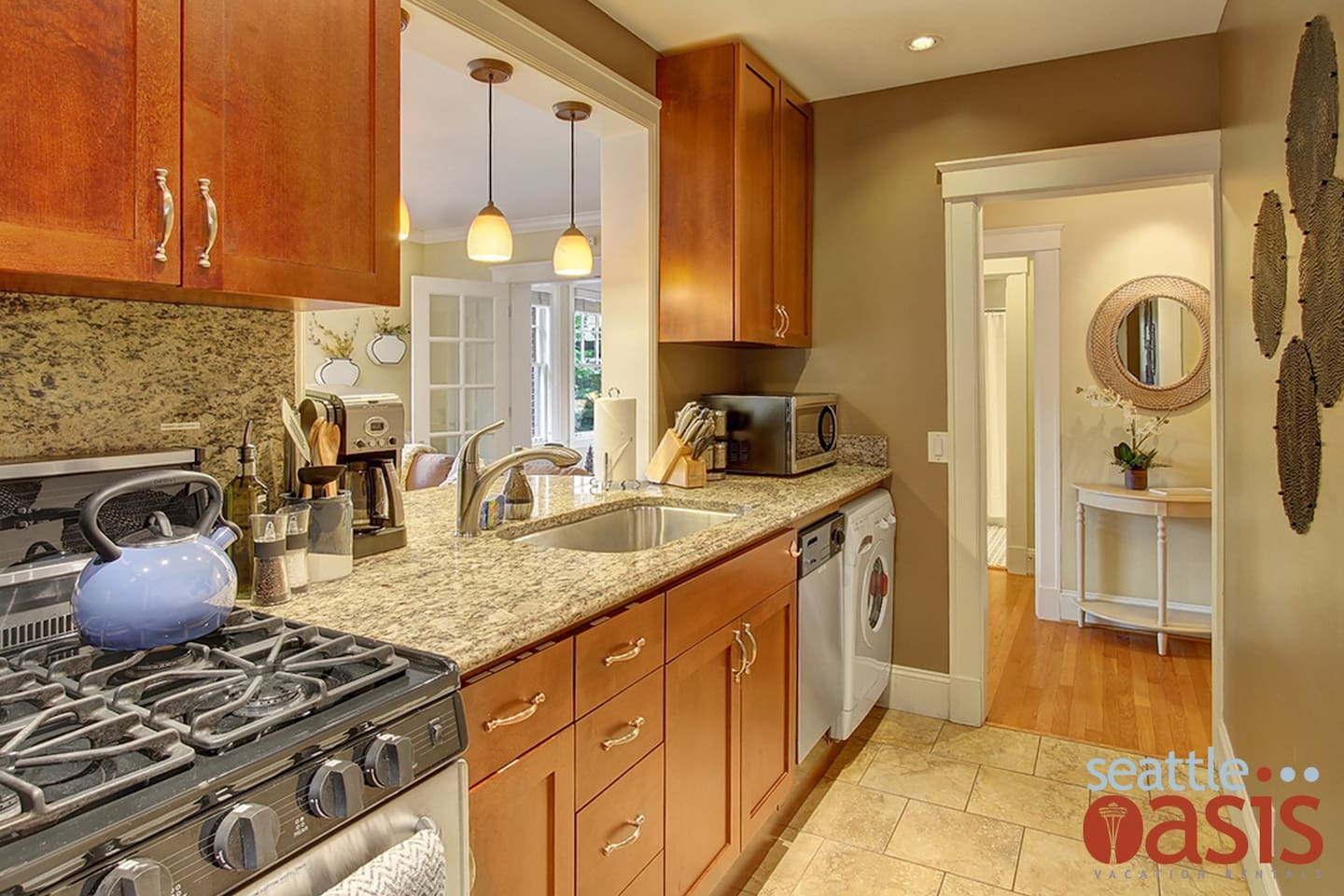 Kitchen cabinets to go kent wa - August 1 4 2 Bedroom Classic Brownstone Oasis Apartments For Rent In Seattle Washington United States