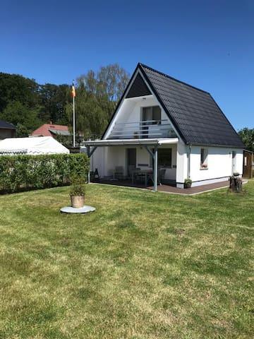 Ruhiges Ferienhaus in Nienhagen