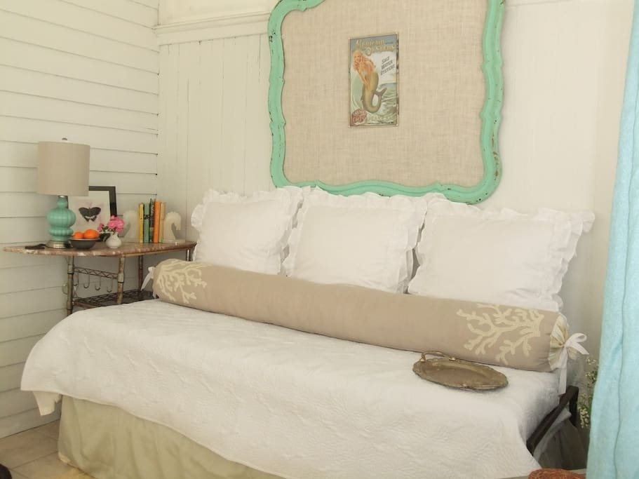 'Not 2 Shabby' is a fresh and relaxing retreat... Simple Luxury