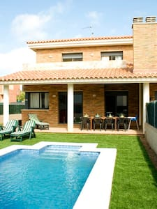 PRIVATE HOUSE SWIMMING POOL&BEACH*3 - Roda de Barà