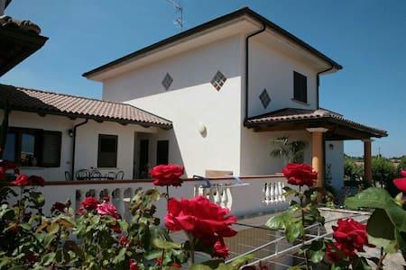 Vicino Tropea, stanza privata - Fazzari-Sant'angelo
